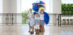 在关岛太平洋俱乐部的吉祥物代表着岛的精神