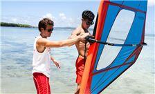 塞班太平洋海岛俱乐部 - 体育活动-风帆冲浪